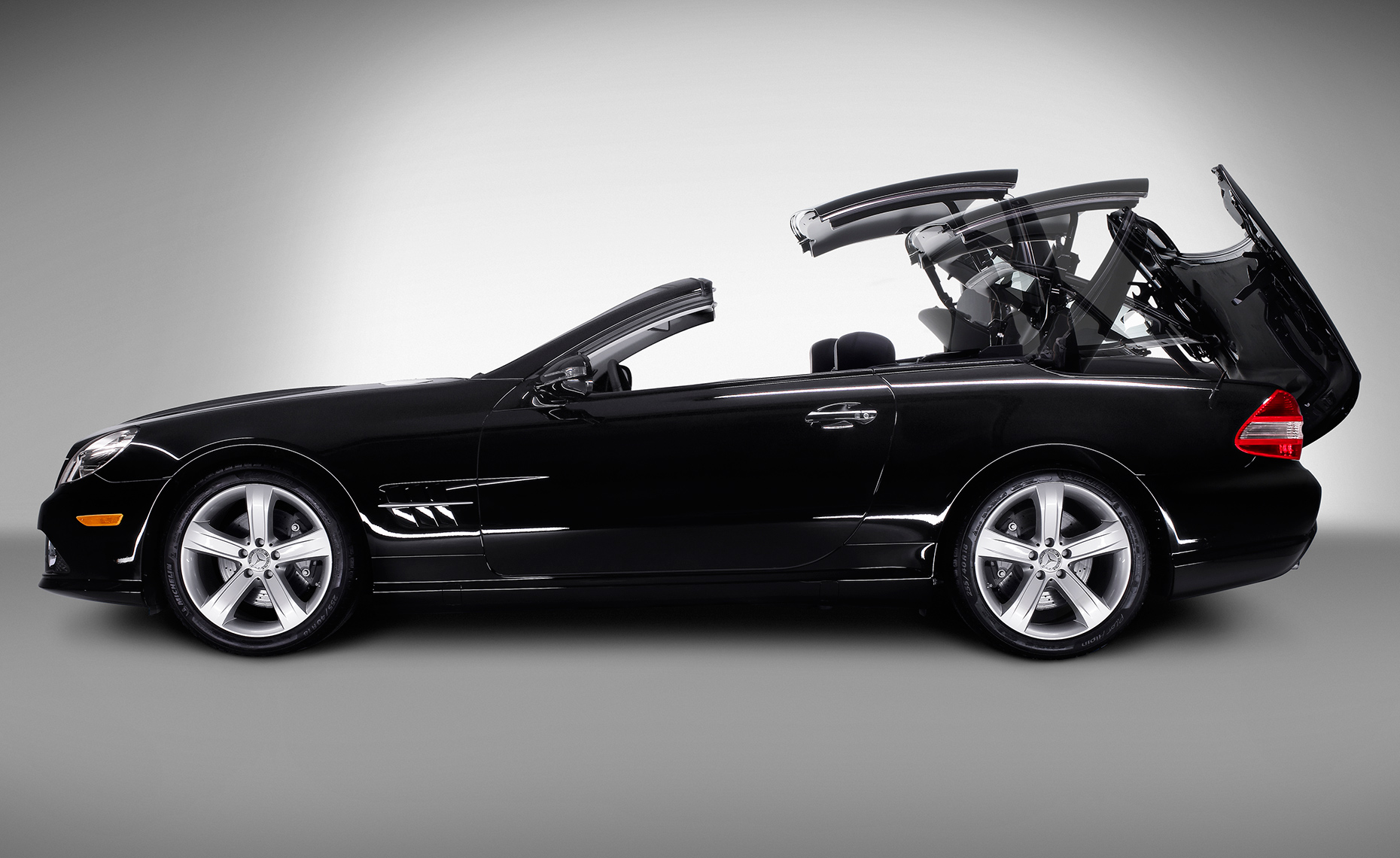 09-SL550-roof-operation
